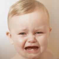 دراسة علمية: بكاء الرضيع اكثر ازعاجا من المنشار الكهربائي
