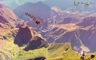 Le Père Noël survole le cirque de Mafate, île de la Réunion
