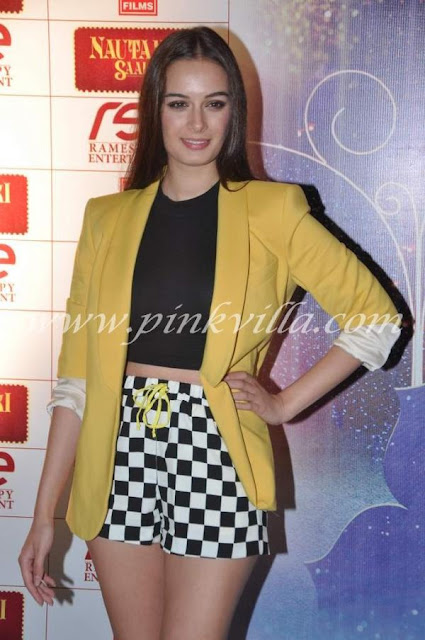 Pooja Salvi  Evelyn Sharma at the screening of Nautanki SaalaEvelyn Sharma Nautanki Saala