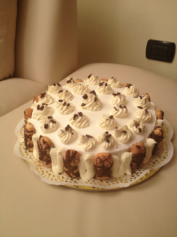 Pan di Spagna con crema Chantilly