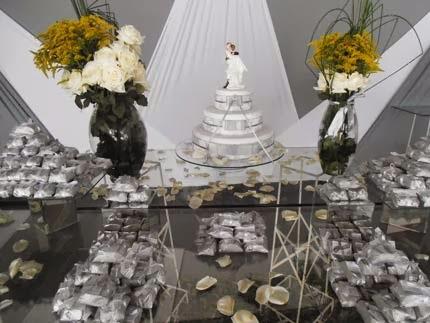 Decoração da mesa da festa das bodas de prata