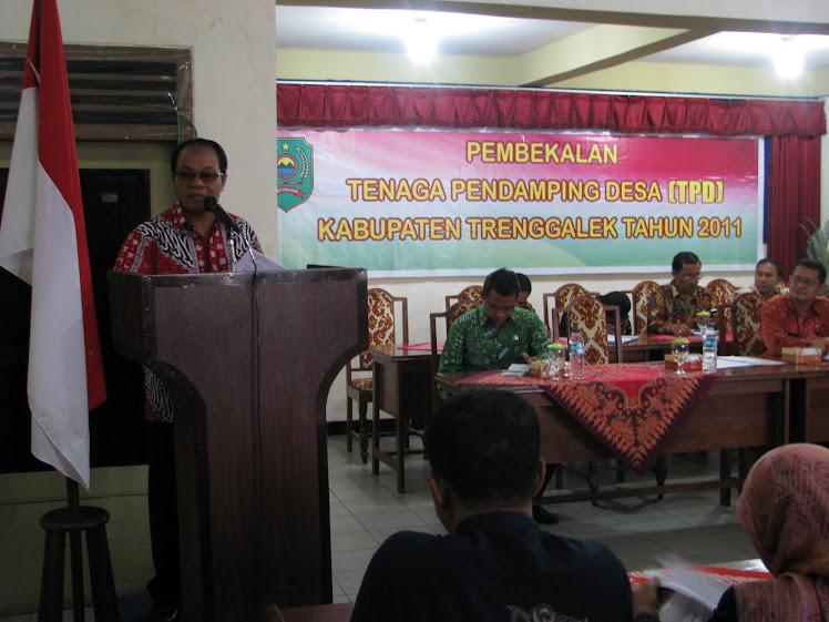 Dr. Ir. Mulyadi Wr, MMT, Bupati Trenggalek membuka Pembekalan TPD Tahun 2011