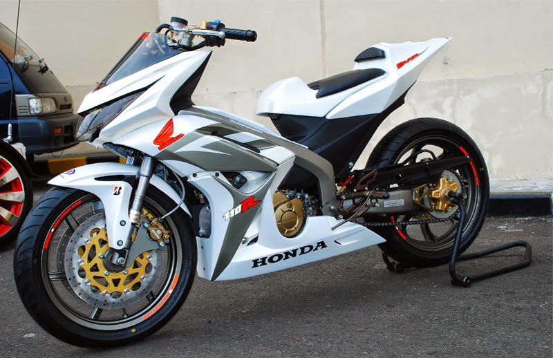 Modifikasi Honda Revo Sporty
