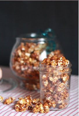 Gingerbread Caramel Popcorn