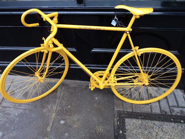 london portobello road yellow bike