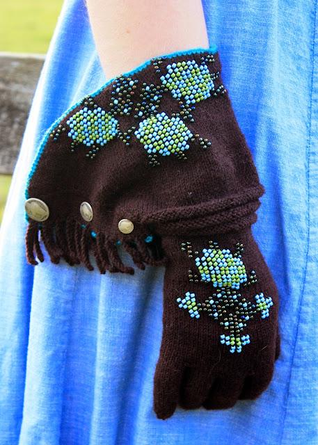 haftowane rekawiczki welniane