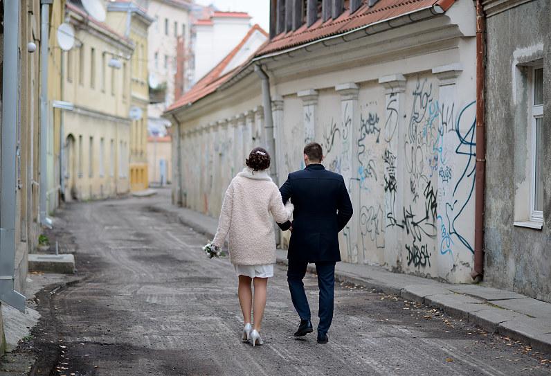 vestuvių fotosesija Kauno senamiestyje