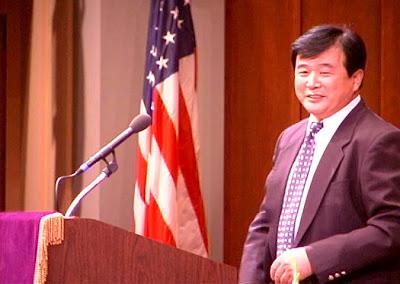 Falun Gong, Sebuah Praktek Kultivasi Sesat yang Membahayakan Tionghoa Hanjian+li+hongzhi+22jul01_2_big