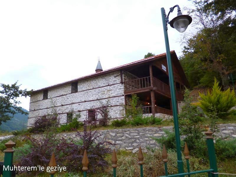 Tarihi Dere Cuma Camii