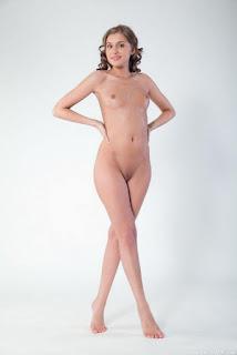 普通女性裸体 - sexygirl-AAOAABAAFIUY110-764830.jpg