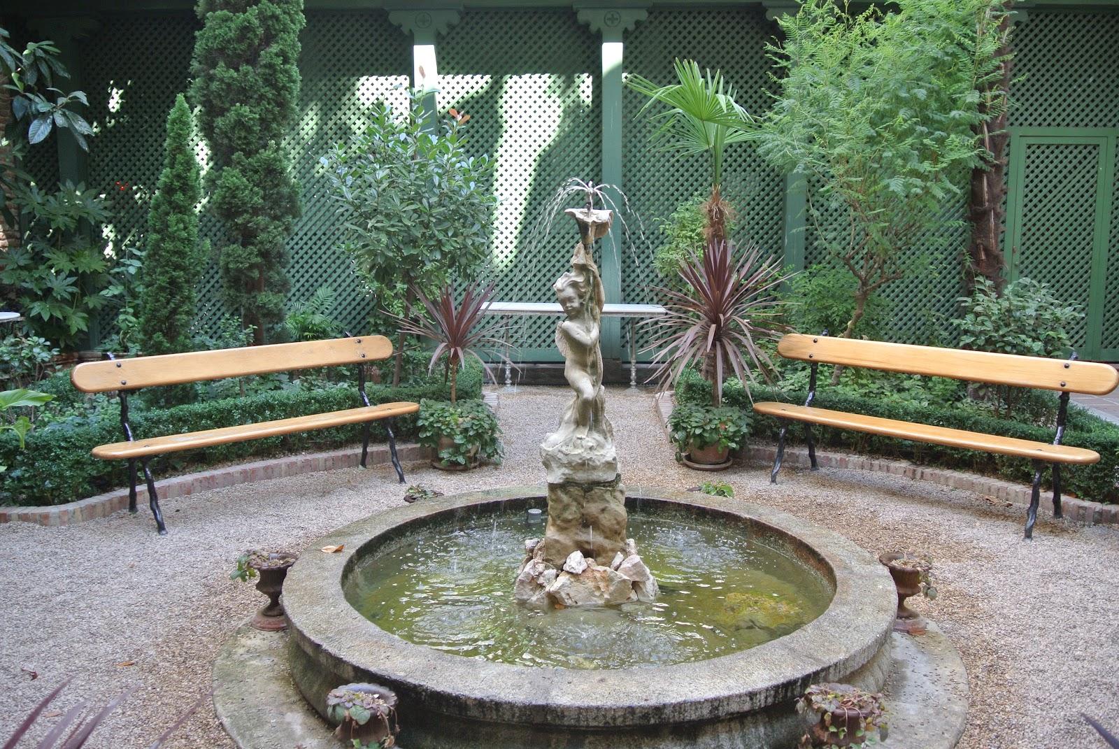 Caf del jard n un rinc n rom ntico en el centro de madrid for El jardin romantico