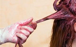 Πώς να αφαιρέσετε τη βαφή μαλλιών από τα ρούχα σας