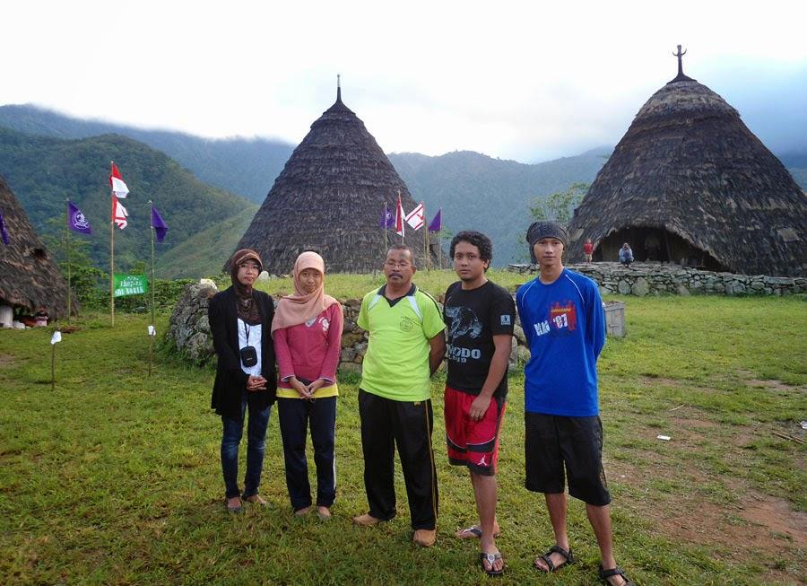 Foto-Foto Kehidupan Kampung Wae Rebo, Manggarai, Nusa Tenggara Timur