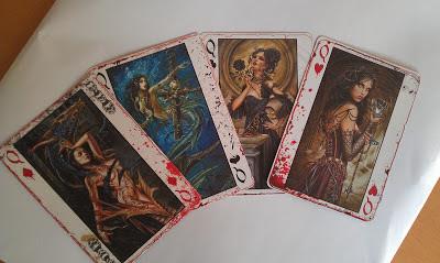 """Die Damen aus dem Bicycle-Pokerkartendeck """"Alchemy""""- wer möchte nicht mit ihnen spielen?"""