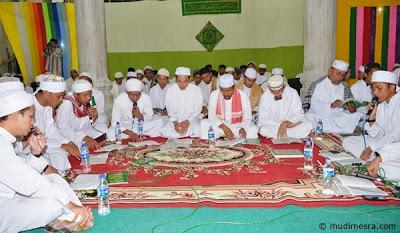 Zikir Bersama dipimpin oleh Tu Bulqaini.