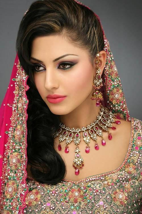 India inspired on Pinterest | Indian Bridal Makeup, Indian ...