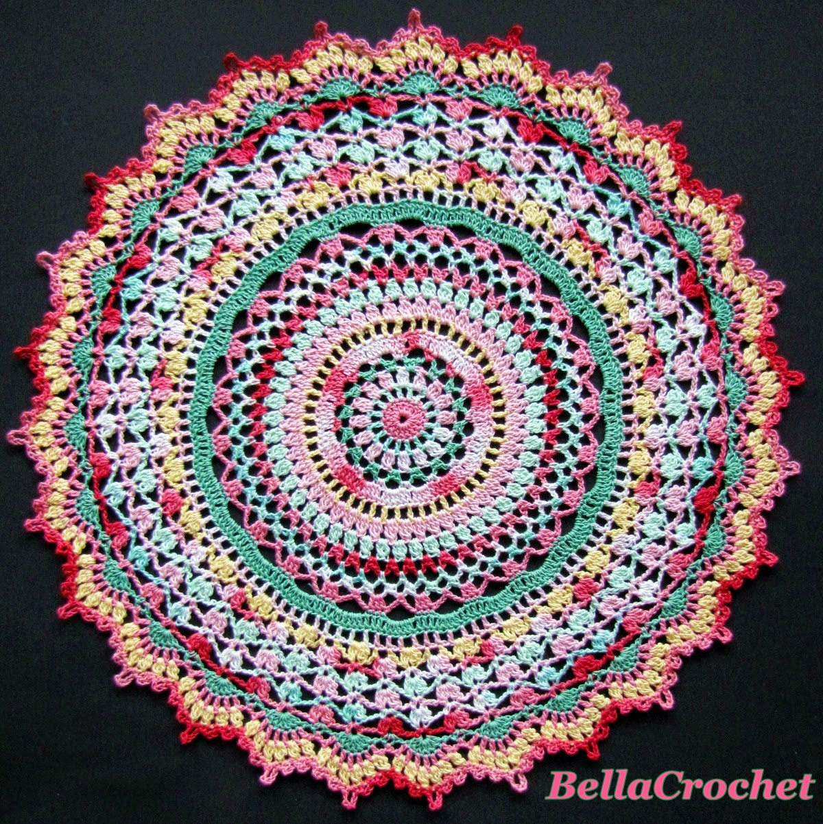 This month, we are making the stunning Summer Splendor doily ...