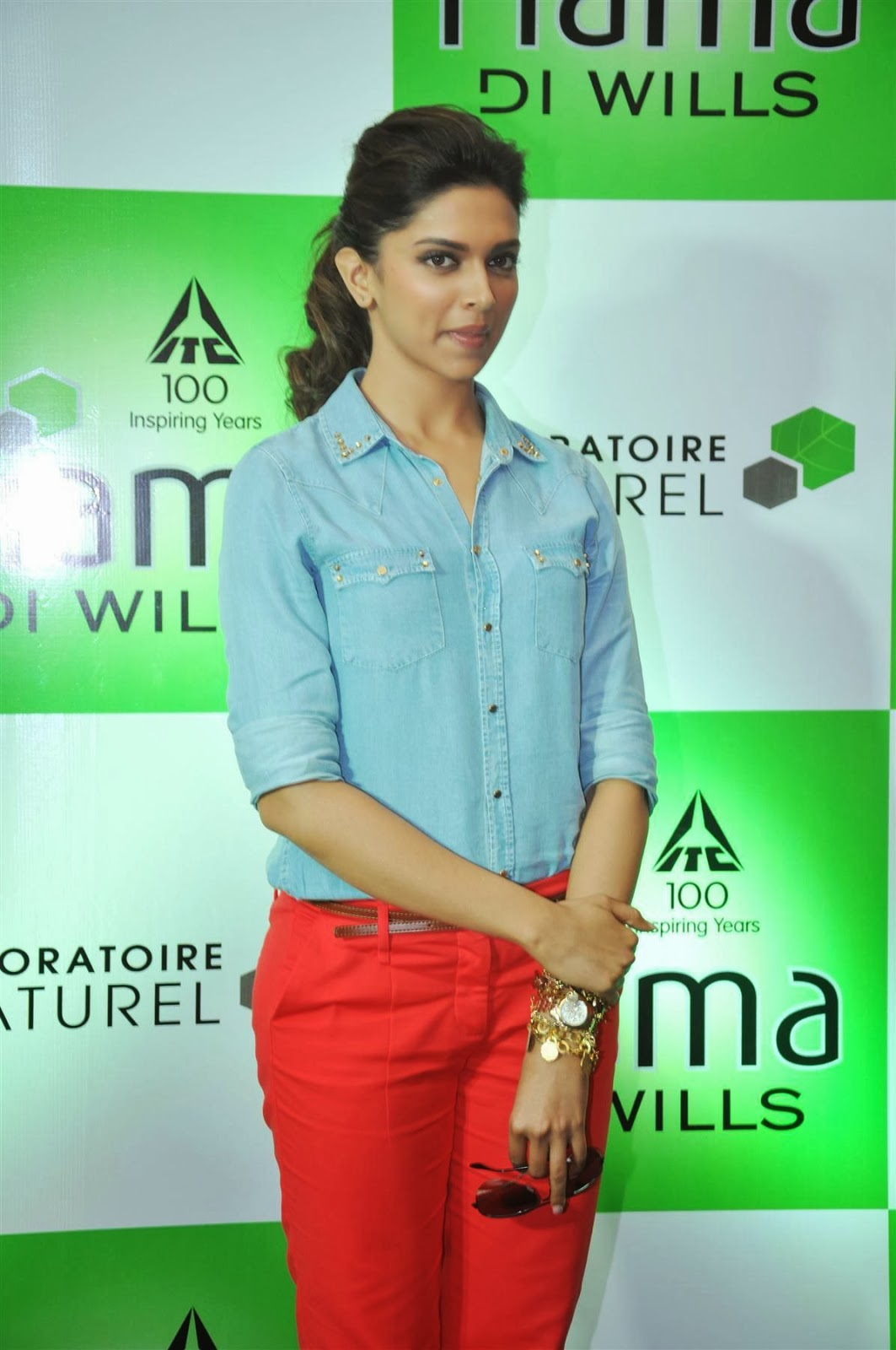hq celebrity pictures: Deepika Padukone hot in blue and ...