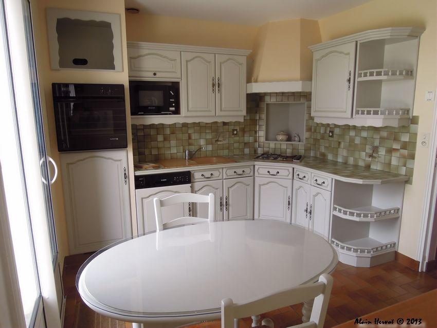 ambiances bois patines cuisine relook e vert p le avec. Black Bedroom Furniture Sets. Home Design Ideas