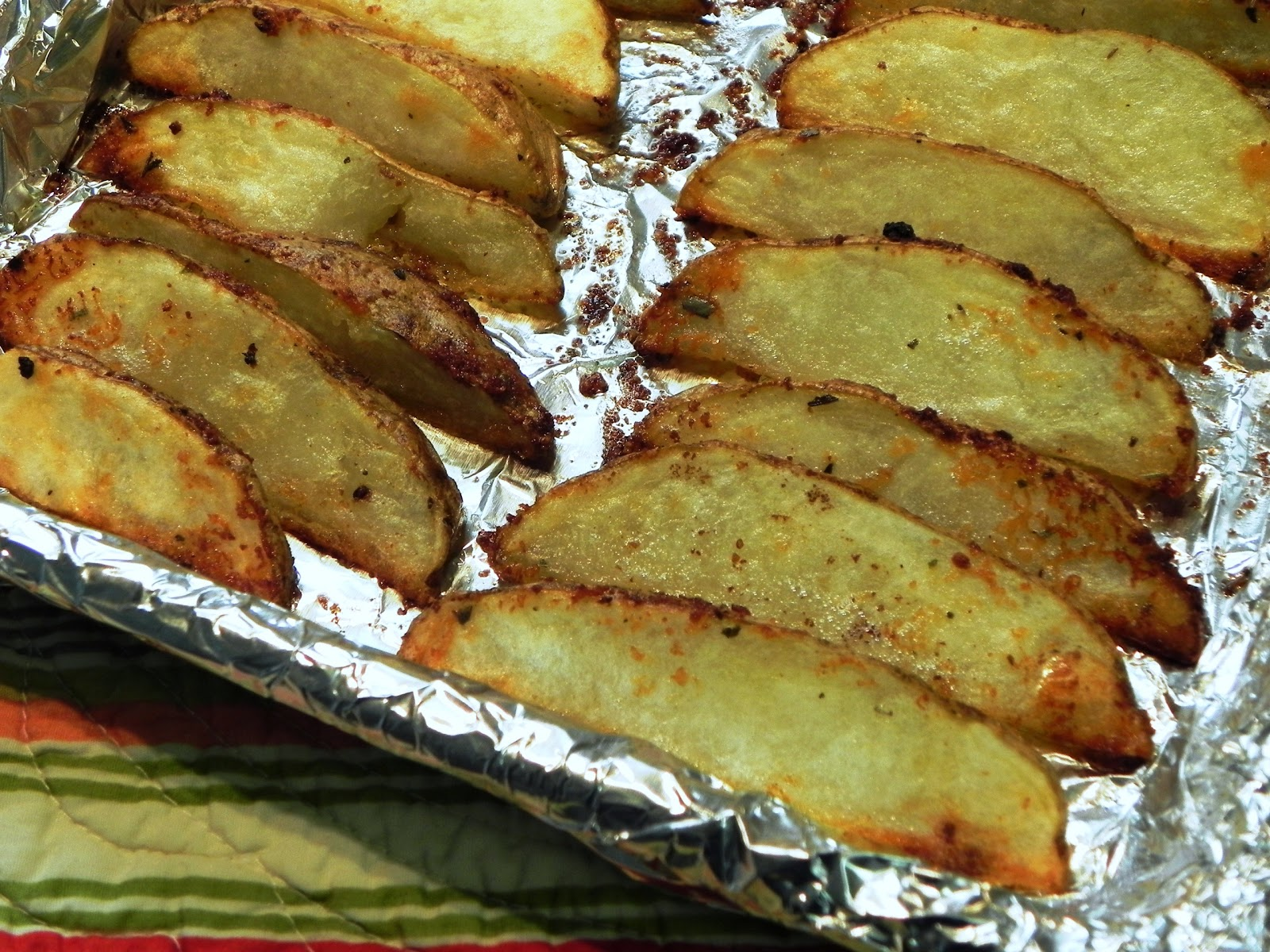 The Iowa Housewife: Parmesan Potato Wedges