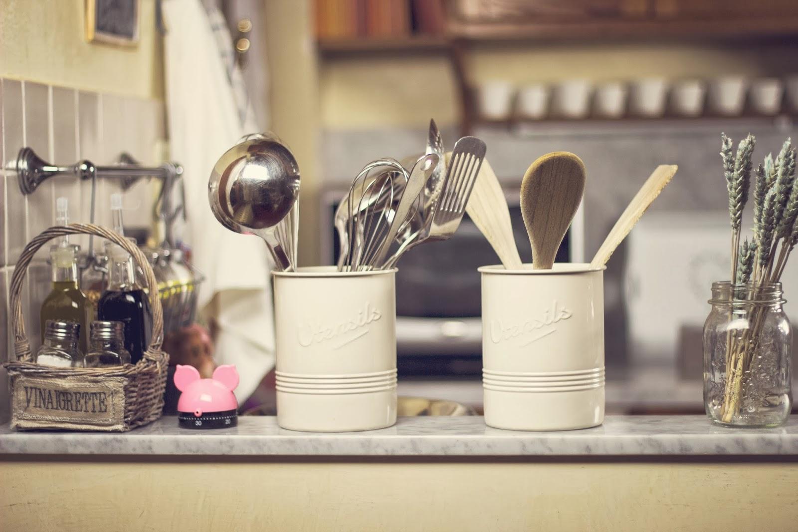Elena tee kitchen decor angoli della mia cucina - Barattoli cucina maison du monde ...