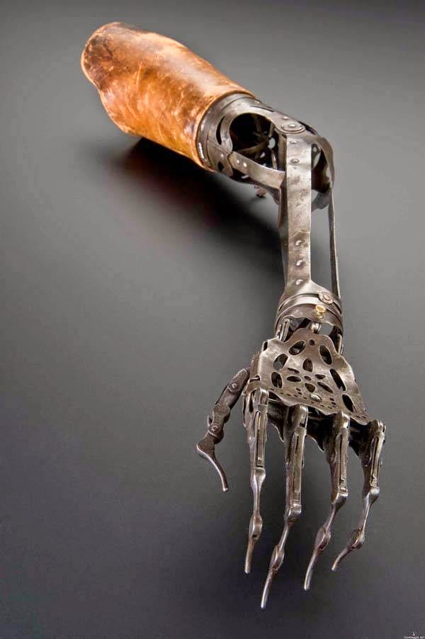 bukti-peninggalan-sejarah-paling-mengerikan-di-dunia-tangan-kiri-mekanik