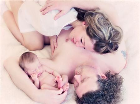 Nhịn yêu sau sinh bao lâu là tốt nhất