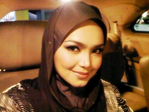 Datuk Siti Nurhaliza Sah Mengandung??