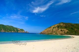 mawun beach,lombok tourism