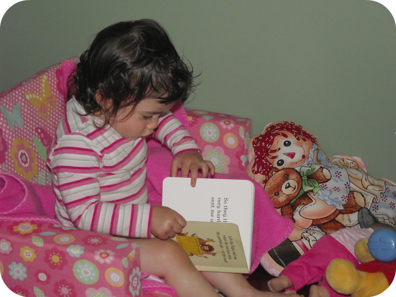 5 Strategies when reading to active toddlers with short attention spans! Mummy Musings and Mayhem