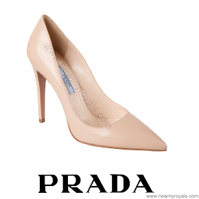 Crown Ptincess Mary Style PRADA Beige Pointed Toe Pump