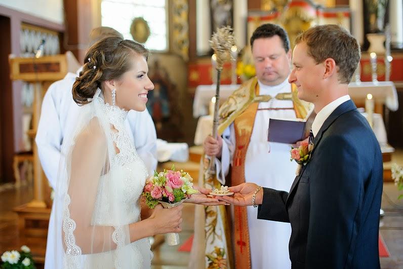 Babtų Šv. apaštalų Petro ir Povilo parapijoje vyksta vestuvės