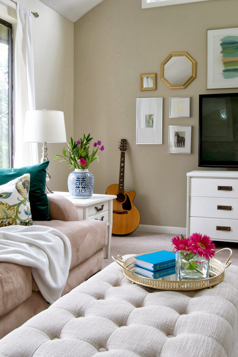 Livelovediy 10 budget decorating tips Decorating small living room with tv