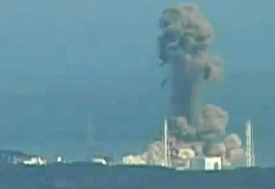 Qaddafi Retaking Libya JapaneseRecatorExplosion