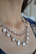 I am going to make this with white or ivory beads & pearls in the near .