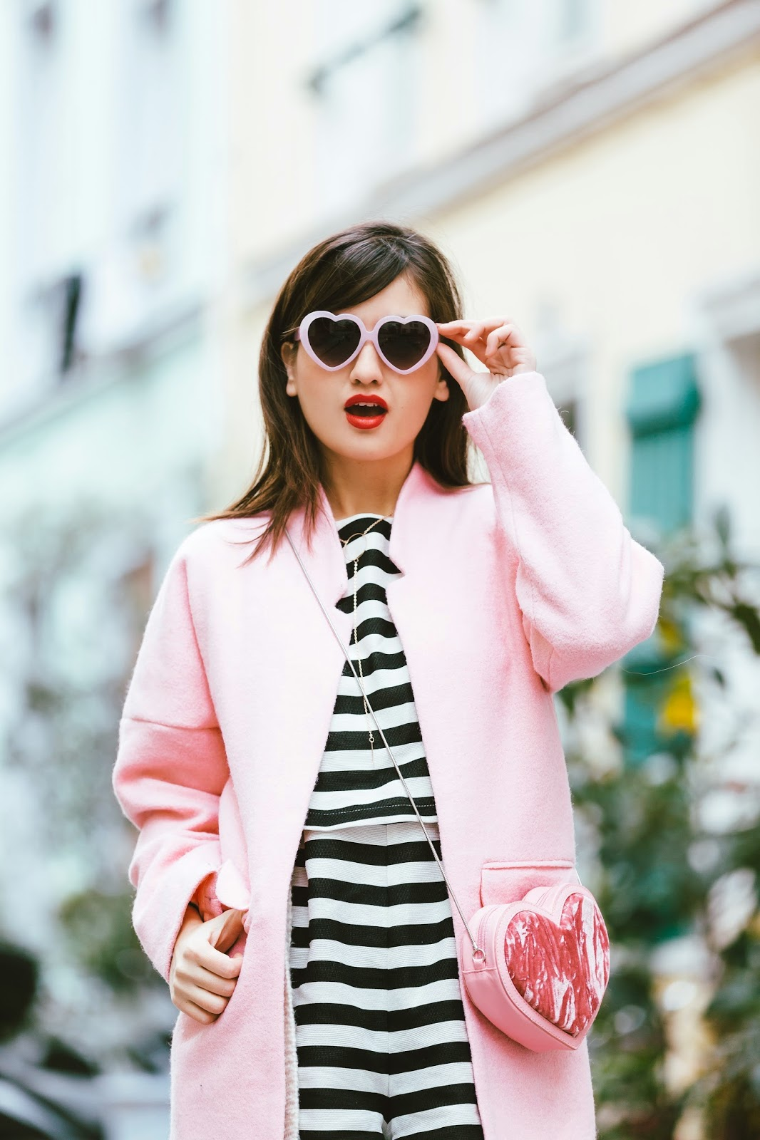 How to wear a pink coat