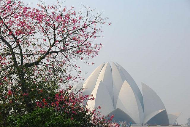 Casa de adoración Bahá'í, Templo del Loto de Delhi, India.