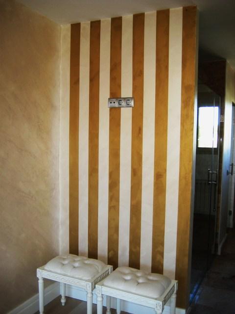 Paredes pintadas en formas de rayas en el 2012 for Paredes pintadas a rayas
