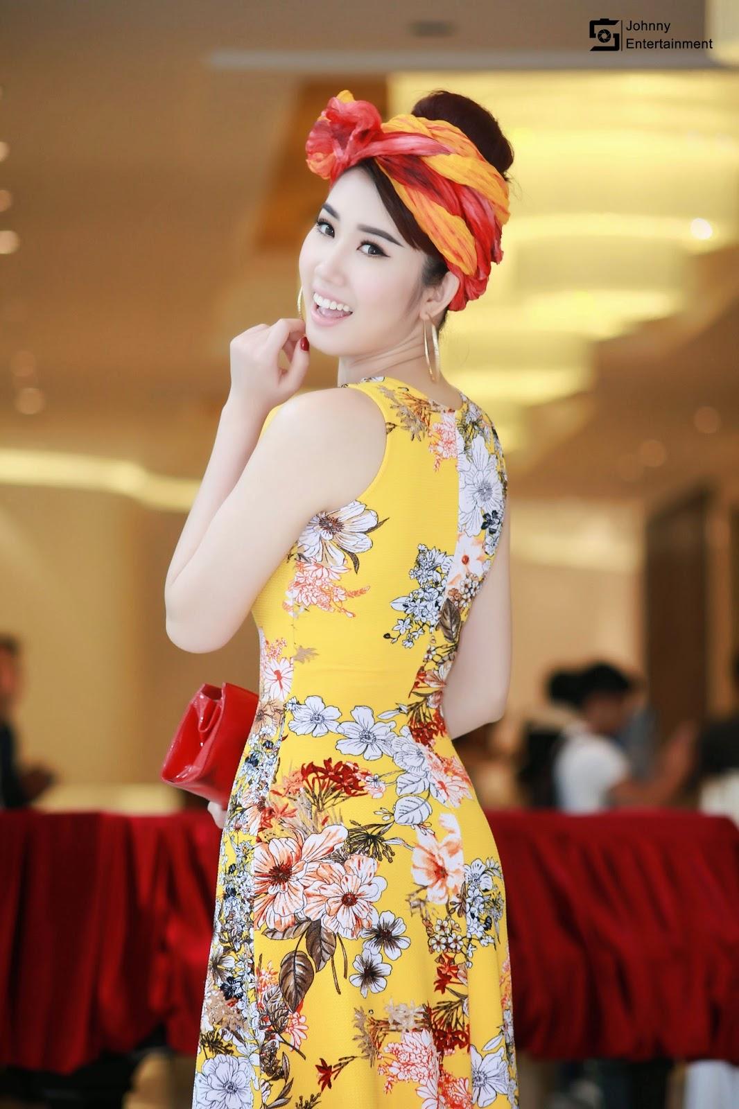 Á hậu Lê Huỳnh Thúy Ngân – Xinh đẹp gây hỗn loạn tại buổi họp báo