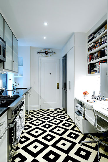 Graphic black and white floors frog hill designs blog Carrelage noir et blanc salle de bain
