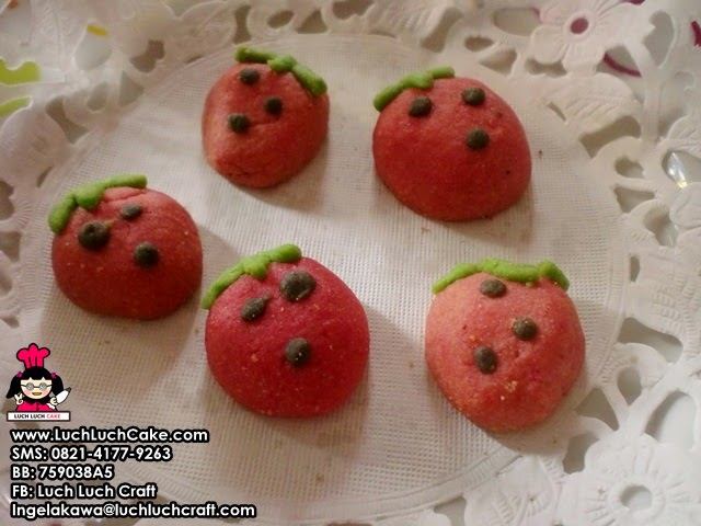 Kue Kering Strawberry