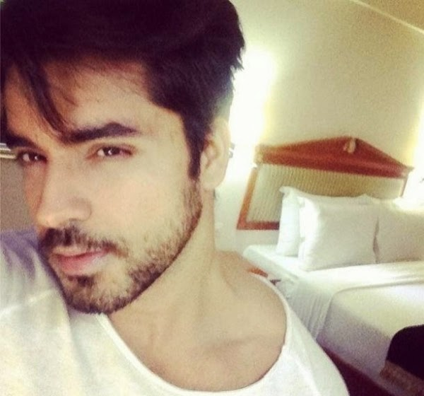 Gautam Gulati after Bigg Boss season 8, gautam Gulati at home photos, gautam gulati simple images, Gautam Gulati sexy and hot Images wallpaper photos