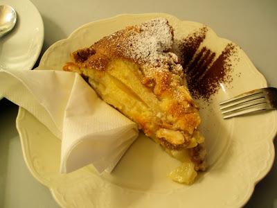 Frauelein Dickes pear almond cake