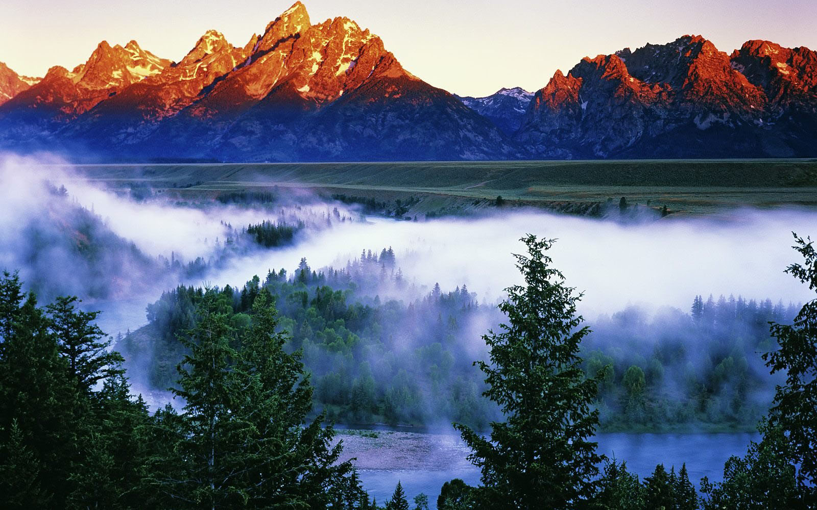 wallpapers: Snake River in Grand Teton National Park Wallpapers