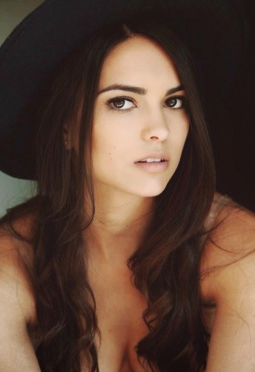 Kyra Santoro modelo fashion mulher sensual fotos
