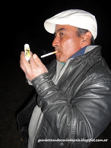 Aníbal fumando Rodeo - Gambeteandoconladepalo