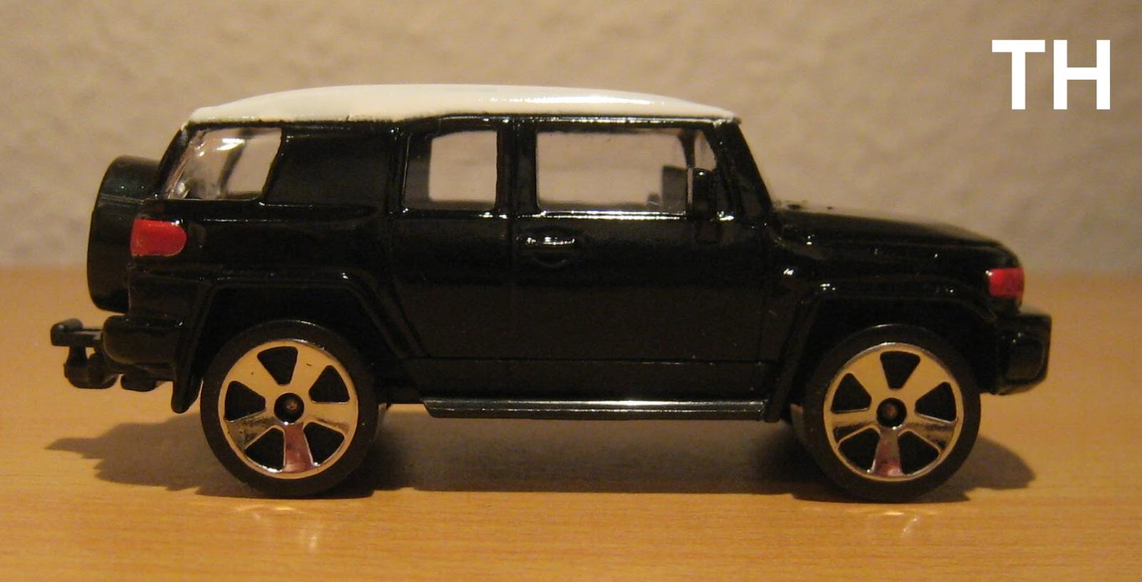 diecast modellautos skuriler suv toyota fj cruiser von majorette jahrgang 2011. Black Bedroom Furniture Sets. Home Design Ideas
