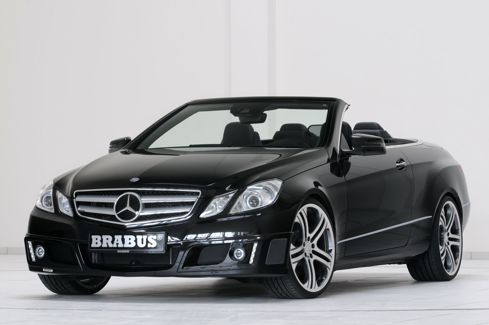 New alter cars brabus does the new mercedes benz e class for Mercedes benz sports car convertible