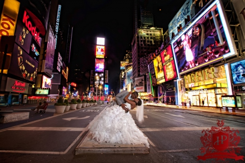 How to plan a new year 39 s eve wedding bridaltweet wedding for 42nd street salon