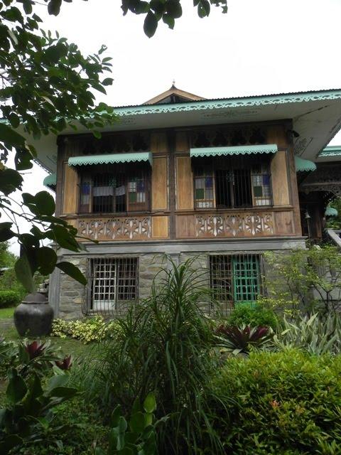 Samples of Bahay na Bato: